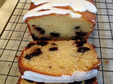 Cherry and yogurt cake