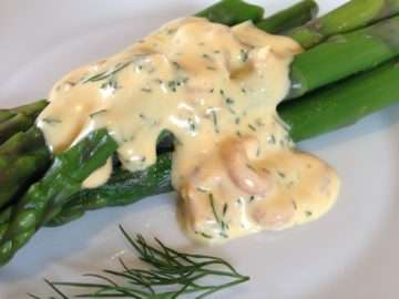 Asparagus with brown shrimp and dill hollandaise sauce