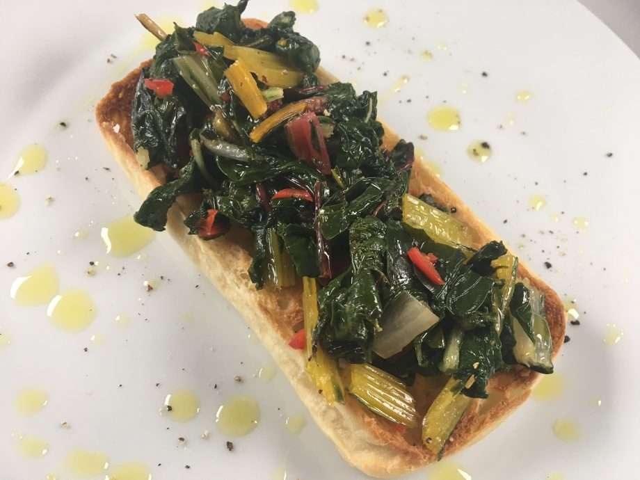 Bruschetta with garlic, lemon and chilli chard