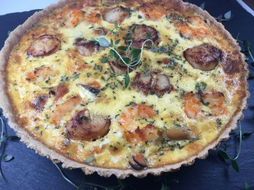 Curried seafood tart