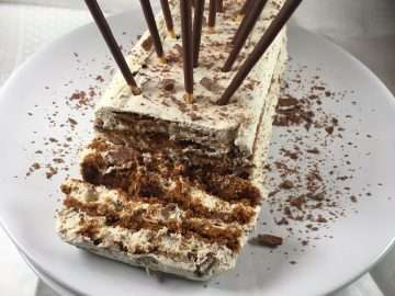 Stracciatella icebox cake