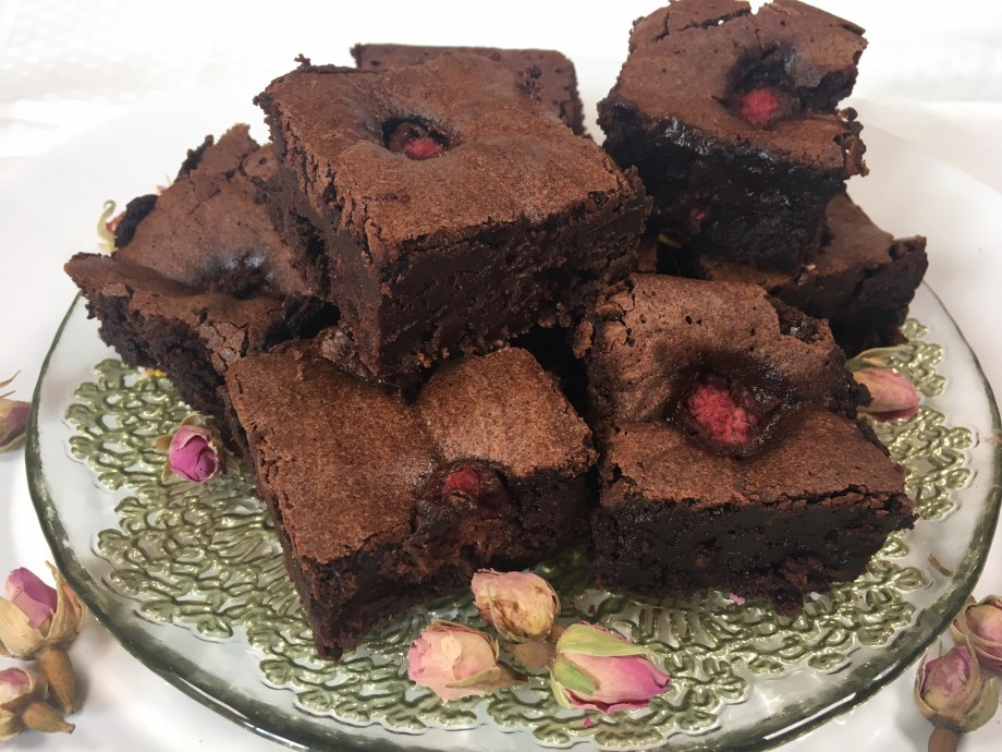 Intensely dark chocolate brownies with raspberries