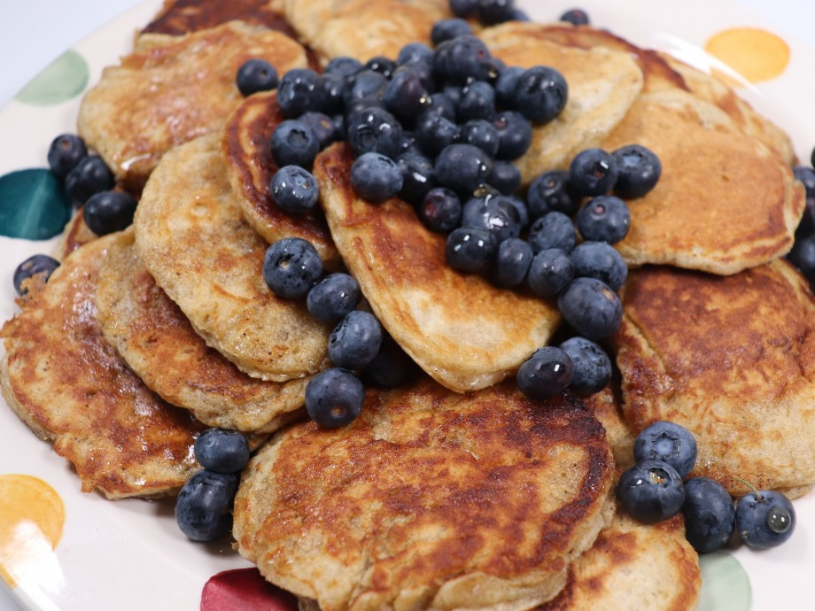 Banana and Buttermilk Pancakes