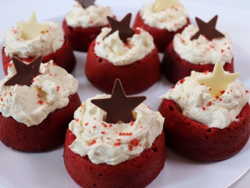 Red Velvet Nests with White Chocolate Cream