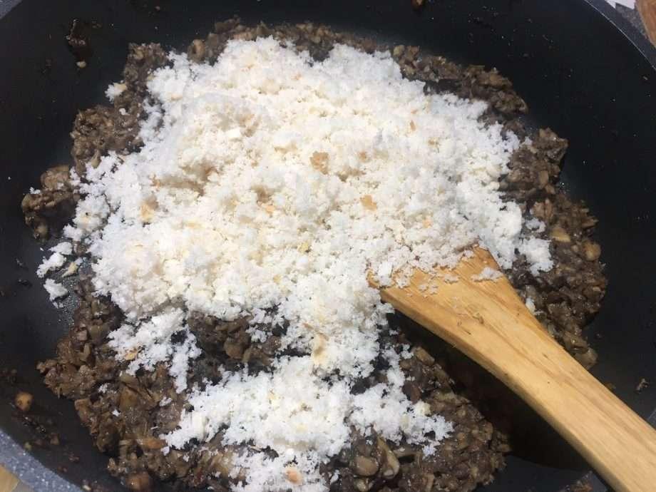 Chestnut Mushroom, Porcini and Thyme Stuffing